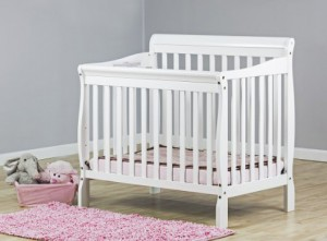 Best Cribs for Small Spaces - America\'s Top Mini Cribs
