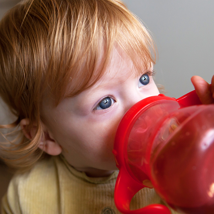 beste Trinkbecher für Säuglinge und Kleinkinder