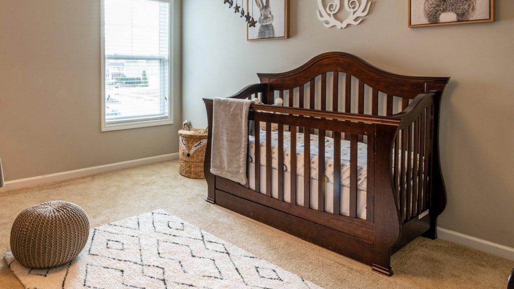 Non-toxic organic wooden crib