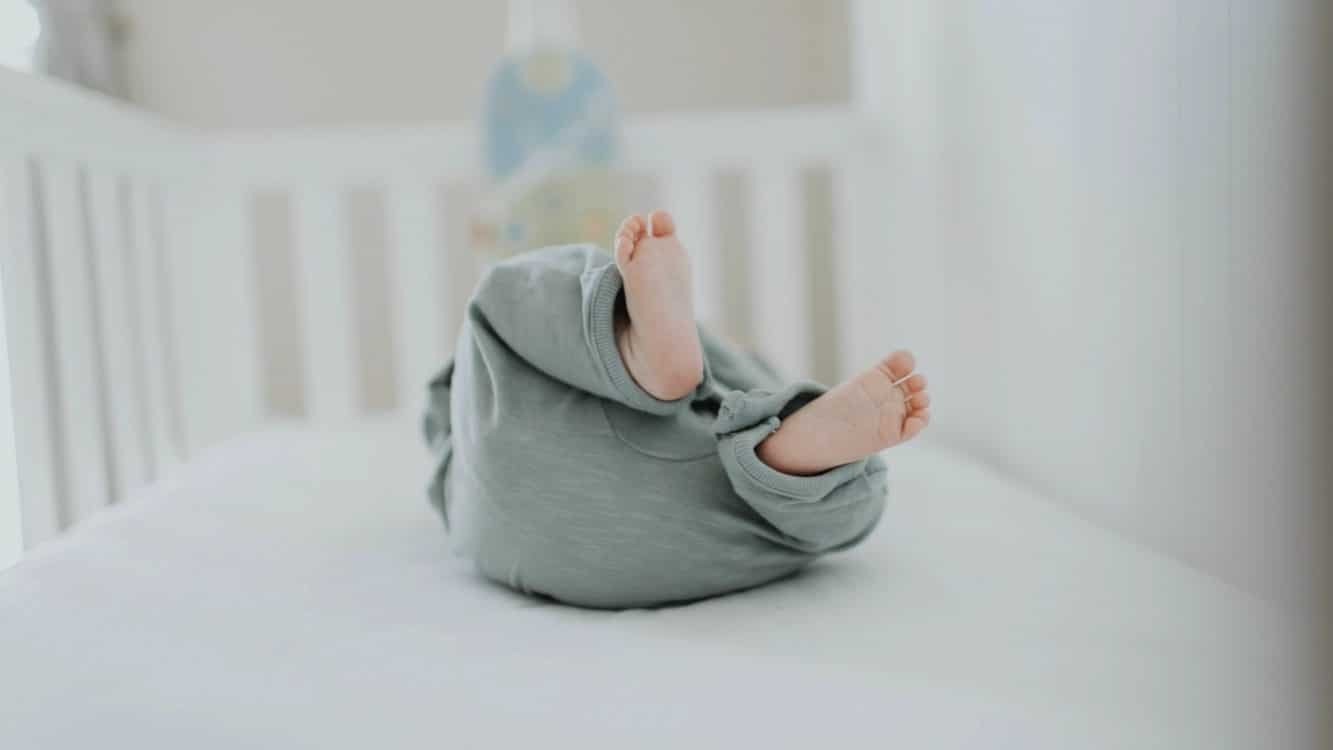 Best Non-toxic Organic Crib Mattress for Your Baby