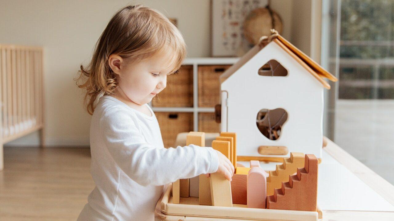 Holz-Baby-Aktivitätstisch